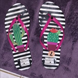 Kate spade size 7 cactus flip flop